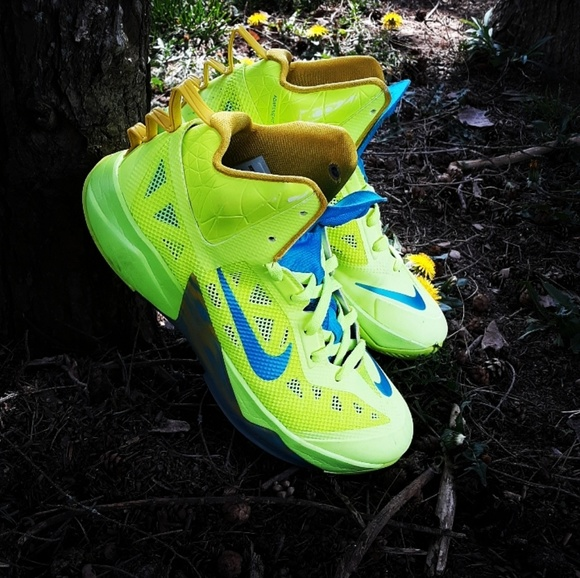 bfe5862889ab Nike Hyperfuse 2012. Nike. M 5cb7581516105df13e85e4c8.  M 5cb7582c2f48319fafcb4e77. M 5cb7584ad948a15b08acd4bb.  M 5cb75870fe19c712b75765c0